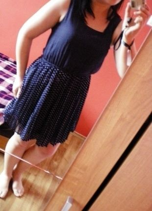 Kup mój przedmiot na #vintedpl http://www.vinted.pl/damska-odziez/krotkie-sukienki/12661003-sukienka-w-groszki-z-guziczkiem-cropp-s-tiul-letnia-luzna-krutka
