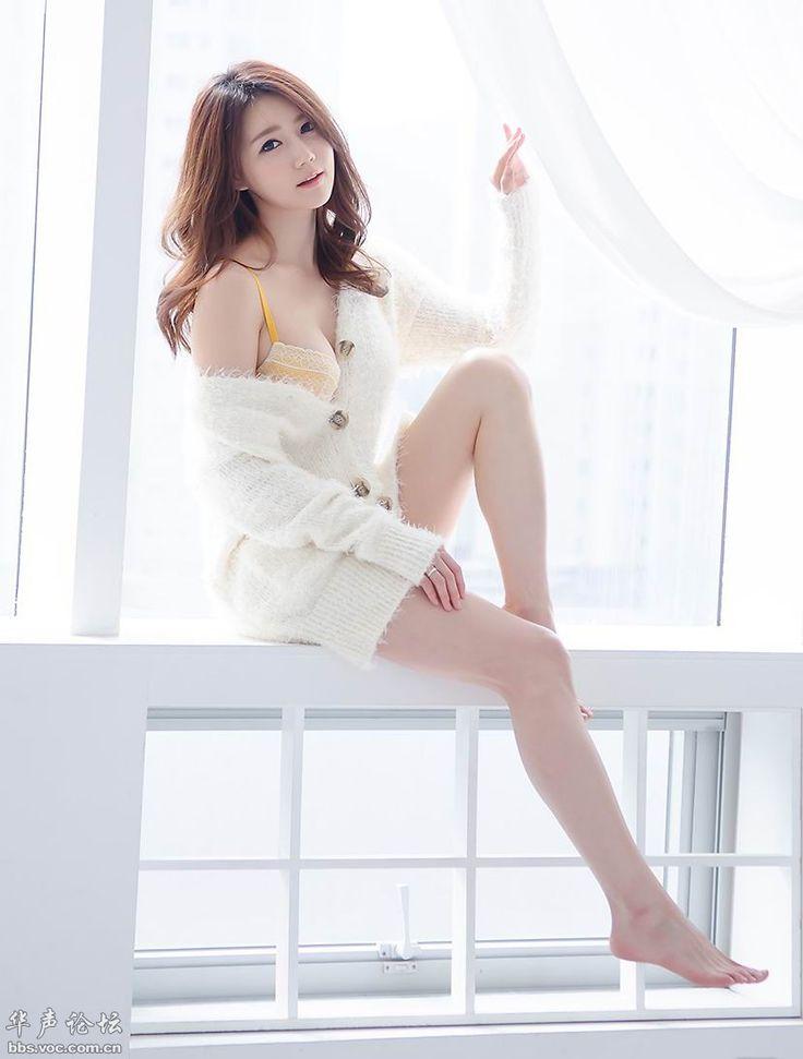 TAGS: cutekoreanHan Ji Eun 한지은Koreansexy Korean girlUpskirt