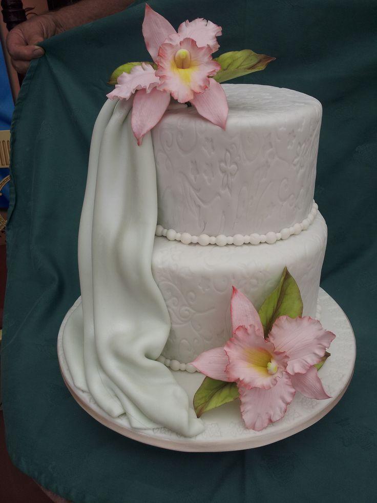 Tarta de boda con orquideas rosadas   !!!