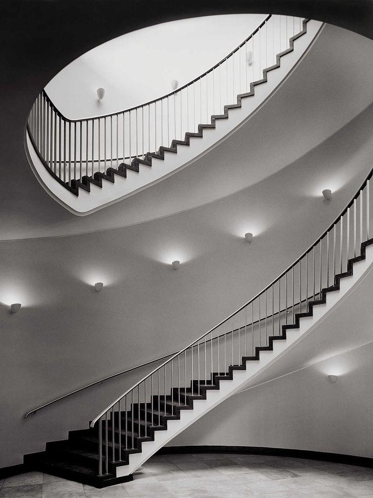 Börse Hannover - Heinrich Heidersberger - pictures, photography, photo art online at LUMAS