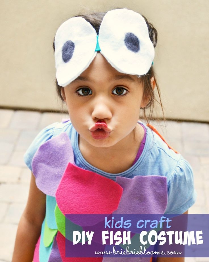 This easy kids craft DIY fish costume is great for Halloween, dress up, or storybook parades! #fish #DIYcostume #RainbowFish