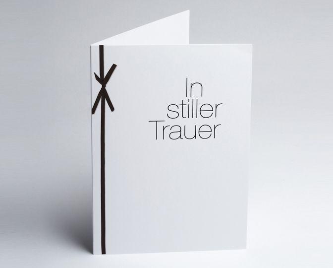 #Trauerkarte mit Schleife in Stiller Trauer