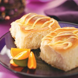 Orange-Cheesecake Breakfast Rolls - how about serving these for Easter brunch? Yummy!
