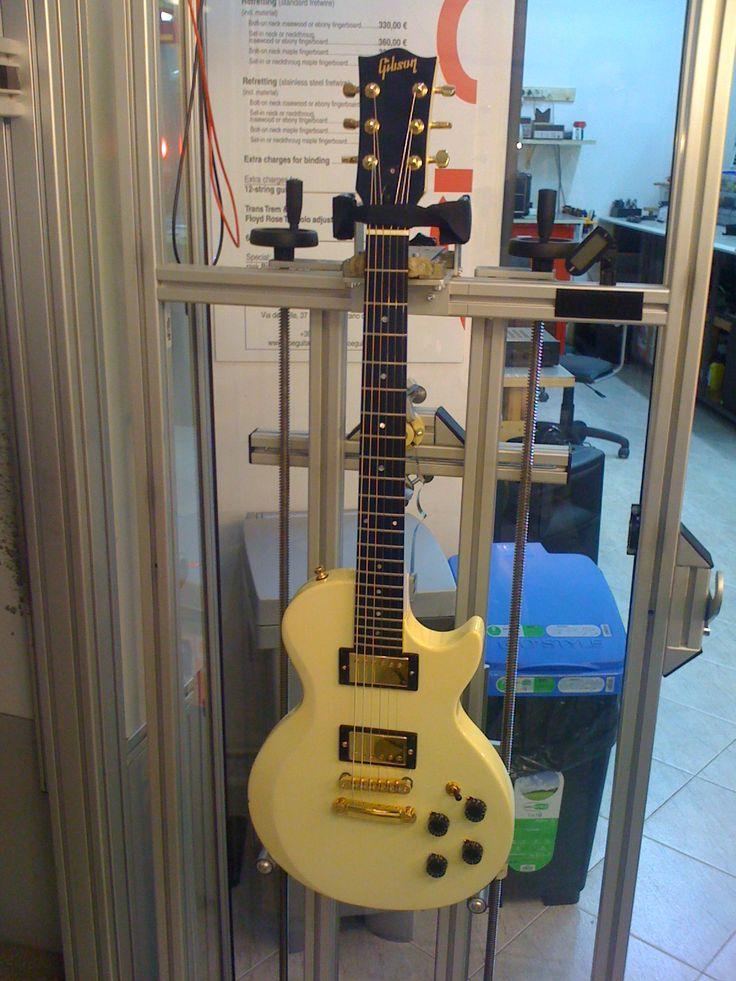 Plekking Gibson Invader Les Paul 1985 (SOLD) #gibson #invader #white #1985 #lespaul #marcokrasinski #rigrundown #cloeguitars #cloe #plek