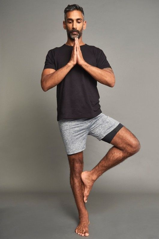 In terms of what men wear for yoga, it should be something that isn't too complex or complicated. When it comes to yoga attire in general, it's not much unlike the art itself.