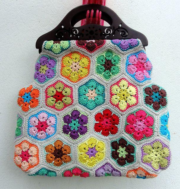 gorgeous! I've got some handles like this... #crochet #bag #flowers
