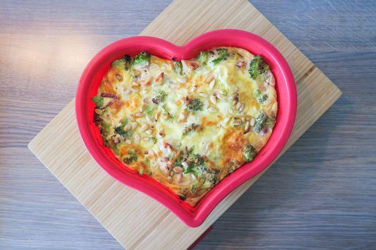 Koolhydraatarm eten hoeft helemaal niet saai te zijn. Dat bewijst Desirée van Curvacious met haar favoriete korstloze quiche. Zo smaakvol en vullend!