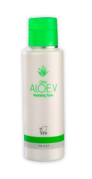 Aloe V Hydrating Toner -  Tonico idratante. Una formula idratante che contiene estratti di Aloe Vera, amamelide e amminoacidi che hanno una funzione particolare di trattamento della pelle. Toglie i residui del detergente, il trucco, lo sporco, la polvere e le cellule morte superficiali, assicurando un'ottima pulizia secondaria. http://italia.dxneurope.eu/products