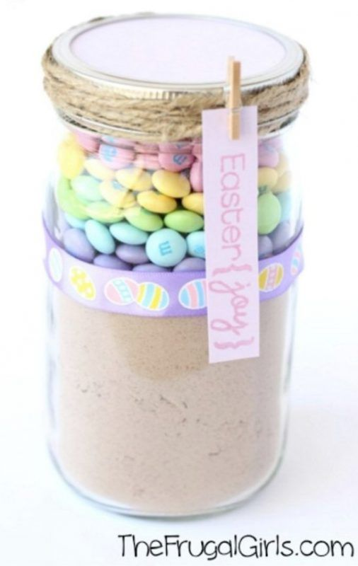 25 Mason Jar Easter Crafts For Gifts, Home Decor, And More