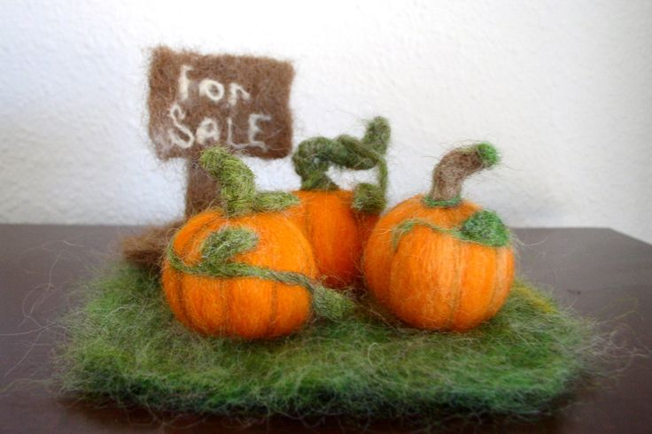 Needle Felted Pumpkins, Miniature Pumpkin Patch Needle Felted, Needle Felted Pumpking Display - pinned by pin4etsy.com