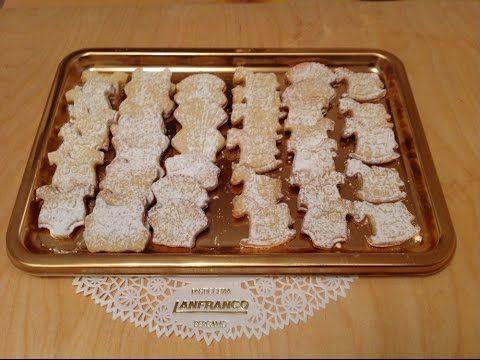 Come fare i biscotti di santa lucia a base di frolla - YouTube
