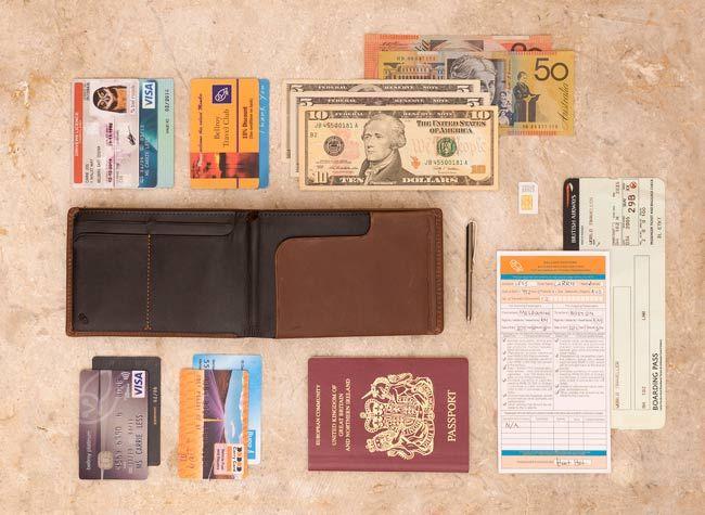 кошелек из тонкой кожи, в который помещается паспорт