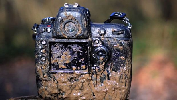 The Nikon D3s Can Survive Getting Wet, Muddy, Frozen, Dropped, and Burned mud