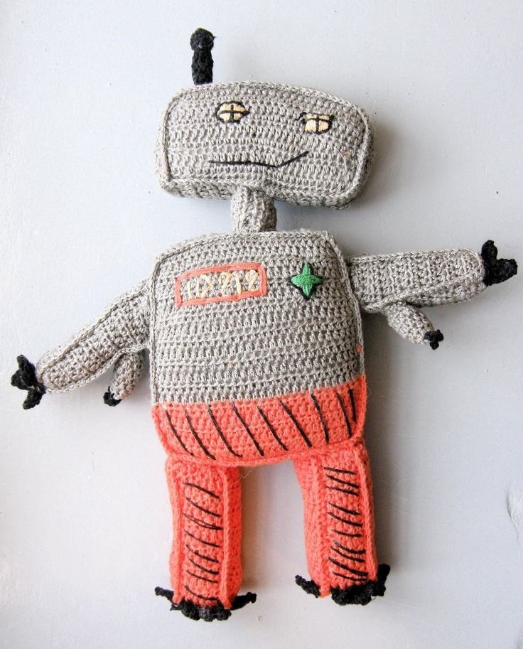 ROBOTO with four hands. Handmade at Mum`s collaboration workshop in South America.
