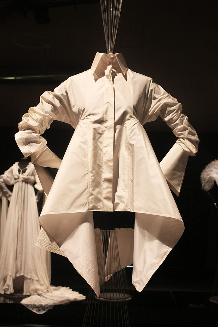 Storm in a TeaCup: La camicia bianca secondo me, Gianfranco Ferré