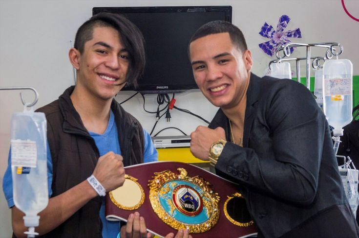 Campeón mundial de boxeo Óscar Valdez acudió al Hospital Juárez de México para animar a niños - http://plenilunia.com/escuela-para-padres/campeon-mundial-de-boxeo-oscar-valdez-acudio-al-hospital-juarez-de-mexico-para-animar-a-ninos/42938/
