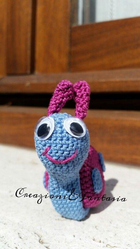 #uncinetto #crochet #amigurumi #handmadewithlove #handmade #handmadeinitaly #fattoamano #artigianatoitaliano #creazioniefantasia  #picoftheday #madeinitaly #artigianato #fattoamanoconamore #accessori #accessories #lumaca #snail