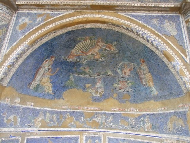 IX.7.20.  Casa degli Archi or House of the Arches.  December 2007.  Mosaic fountain.  Arched top with Venus in a shell and bathing figures.