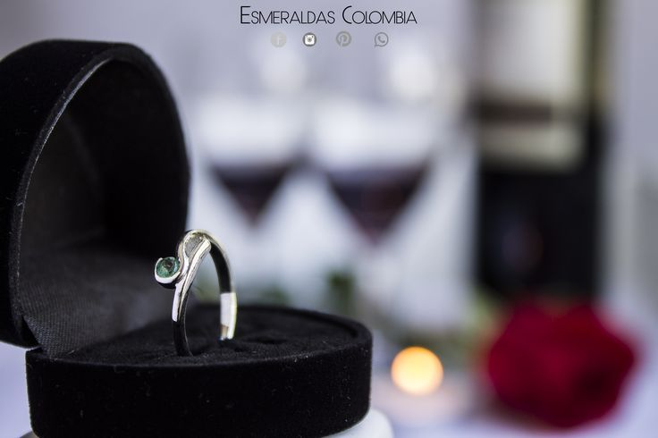 Colombian emerald ring silver 950 💍 Anillo con ESMERALDA COLOMBIANA PLATA 950 💍  con Certificado + Estuche 📞WHATSAPP 3147198811📞 Entrega en nuestras oficinas 🏢 Domicilio Contraentrega Medellin 🏁 Entrega Inmediata Todas las Tallas 🏁 Despachos A nivel nacional e internacional.
