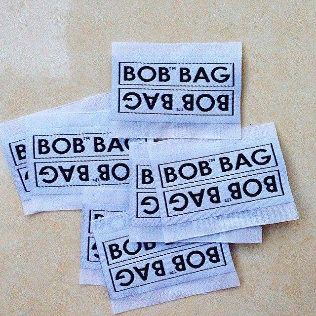 Woven label slip untuk tas #wovenlabel #wovenrajut #brandlabel #wovenlabel #wovenrajut #merkbaju #damask