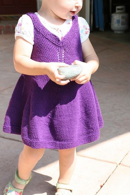 Violet Dress Knitting Pattern : free pattern p Knitting-babies-dresses&skirts Pinterest Patterns, P...
