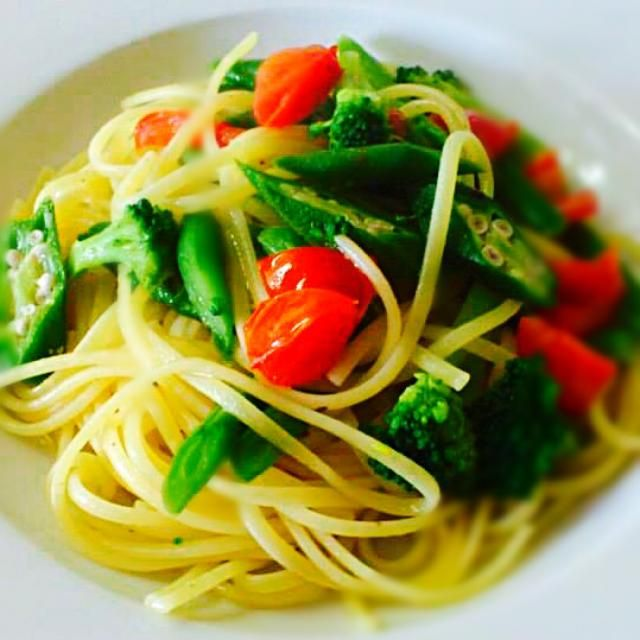 緑黄色野菜たっぷりのパスタで免疫力アップ☝ - 146件のもぐもぐ - 緑黄色野菜のリングイネ レモンオイルソース  Linguine con verdure al limone by cedro