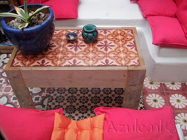 Cement Tiles Furniture- Pink 05 - Project van Designtegels.nl