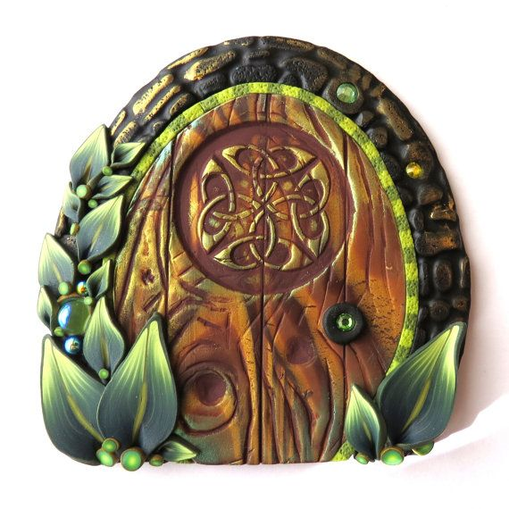 70 best images about irish celtic fairy gardens on for Irish fairy door ideas