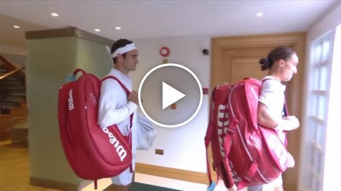 Roger Federer walks onto Centre Court for first time at Wimbledon 2017.#federer #wimbledon2017