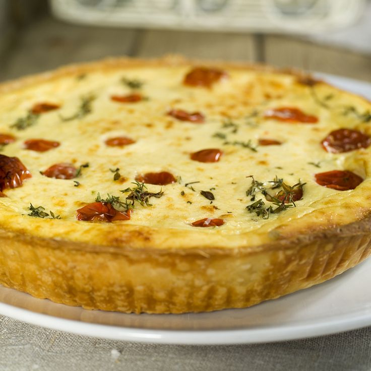 Ricotta pie with tomatoes and herbs