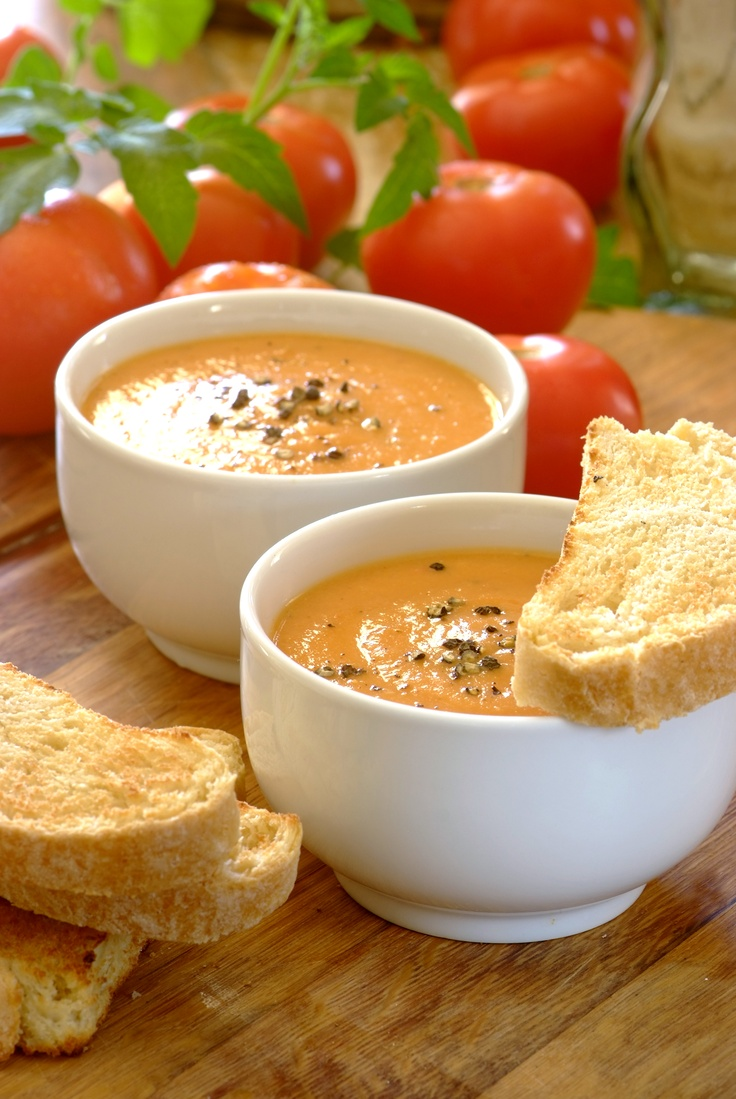 Oven-Roasted Tomato, Garlic & Butter Bean #Soup. Roasting the tomatoes and garlic cloves brings out their sweetness, while a Knorr Vegetable Stock Pot adds great depth of flavour. Serve with toasted ciabatta bread! #easy #dinners #familyrecipes