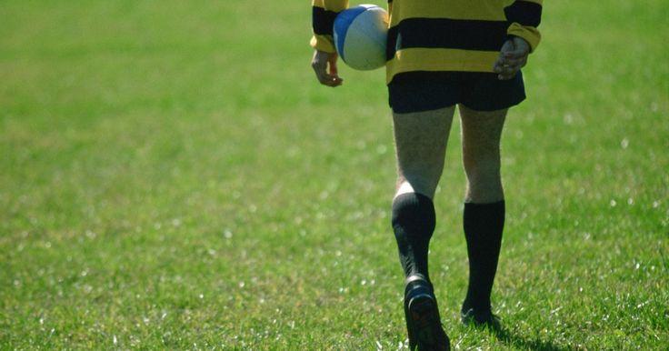 """Como se tornar um jogador de Rugby profissional. A principal confederação de rugby na Inglaterra é a Super Liga, que é composta por três divisões no Campeonato Inglês de Futebol e Rugby, enquanto a confederação mais importante na Austrália é a Liga Nacional de Rugby (NRL). """"6 Nations"""" é a principal liga de rugby europeu e é composta por equipes da Inglaterra, França, País de Gales, Escócia, ..."""