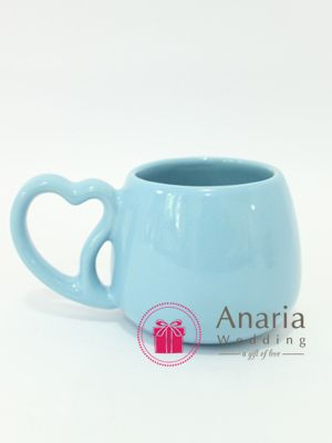 Mug Love, made of ceramic material, mugs with a unique shape. And you can choose the color of the mug (available colors). Contact Us now Pin. 5136C42E / WA 0812-7537-5986| website: www.anaria-wedding.com #souvenir #souvenirs #souvenirwedding #anariawedding #weddinggift #weddingfavor #souvenirsurabaya #souvenirpernikahansurabaya #souvenirunik #souvenirnikah