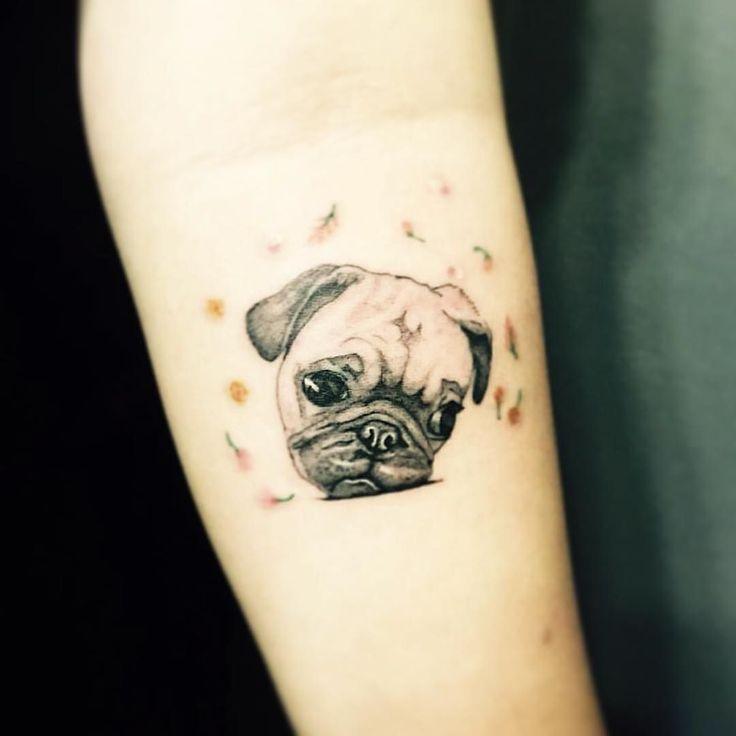 땡자의 심드렁.  #타투 #반려견 #강아지 #반려동물#펫 #펫스타그램 #dog #puppy #dogtattoo #pet #petstagram #pug  #퍼그 #tattoo #tattoos #tattooist #개스타그램 #flower #꽃 #일상 #데일리 #셀카 #셀스타그램 #셀피 #selfie #selca #daliy #selstagram #타투이스트그루 #tattooistgru by tattooistgru