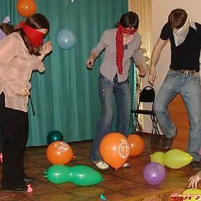 ВК RSW: Новогодние игры для взрослых -