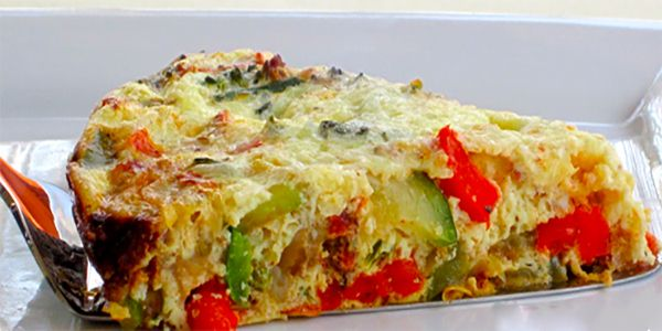 Crustless Vegetable Quiche is great for breakfast or brunch and a terrific source of protein!  #vegetablequiche #quiche