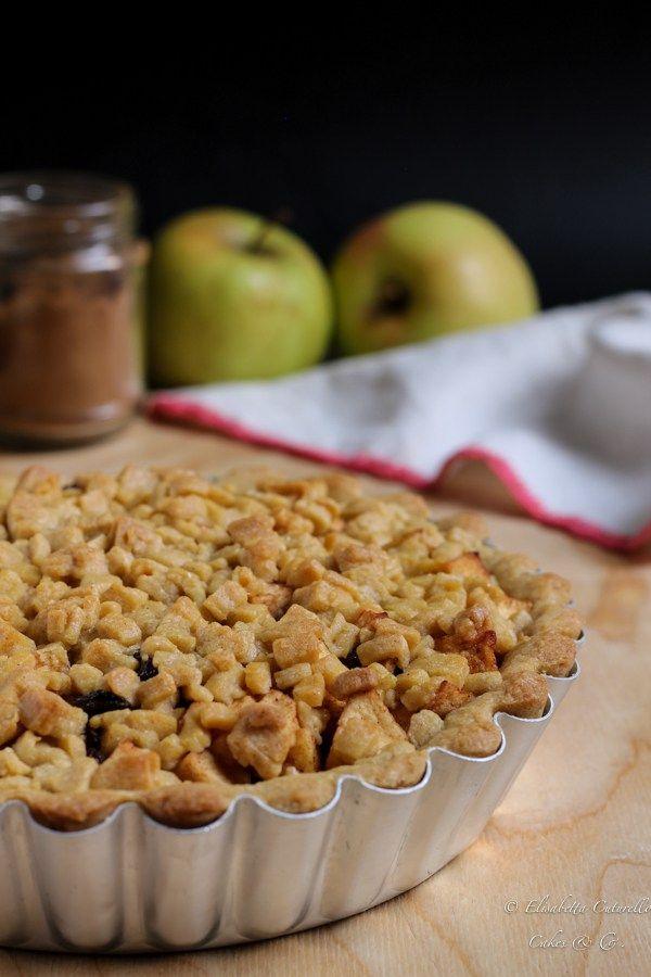 Olandese Torta di mele cannella e uvetta il dolce perfetto a colazione o a merenda magari servita con una pallina di gelato alla vaniglia o della panna