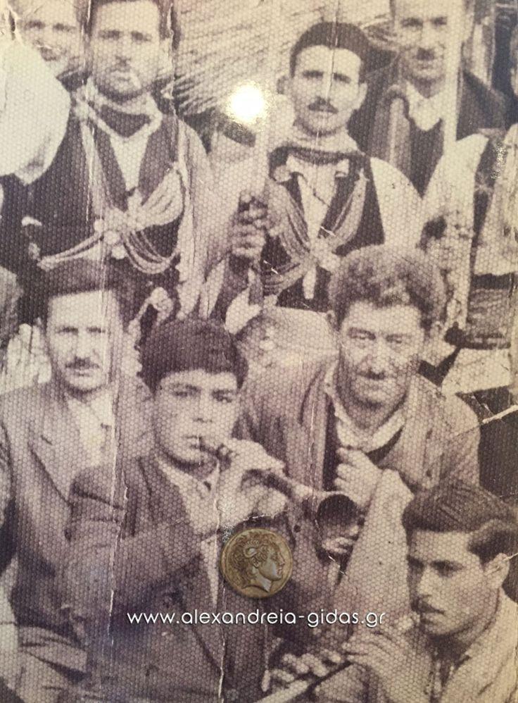 ΘΩΜΑΣ ΠΑΤΜΟΣ.                             Ενας από τους τελευταίους οργανοπαίχτες του Ρουμλουκιώτικου ζουρνά. Από μικρός έμαθε τον ζουρνά δίπλα σε έναν από τους καλύτερους δεξιοτέχνες του, τον Σουλεϊμαν (Χαράλαμπου Πάτμου.                                    http://www.roumlouki.gr/politismos/