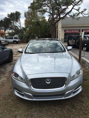 2011 Jaguar XJ in excellent shape