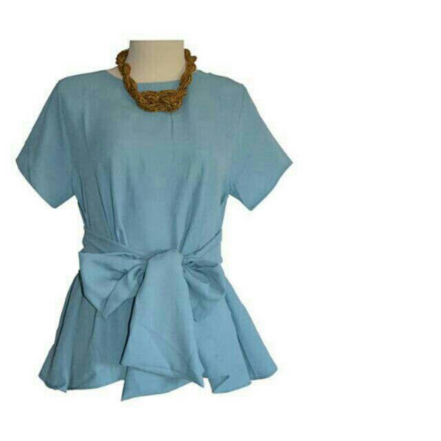 Saya menjual Blue Bow Top seharga Rp169.000. Dapatkan produk ini hanya di Shopee! http://shopee.co.id/yaskey_house/1456724 #ShopeeID
