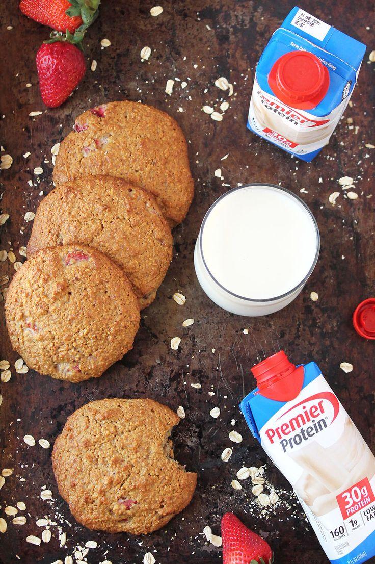 Strawberry Oatmeal Breakfast Cookies + A Giveaway @PremierProtein #MyGoodEnergy #Sponsored
