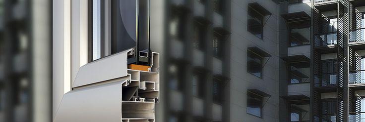 Pi di 25 fantastiche idee su finestre in acciaio su for Finestre apertura alla francese