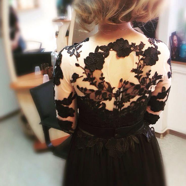 Perfect Lady, Perfect Dress... ❤️ Multumim pentru fotografie R.  #luxury #luxurydress #customdress #eveningdress #eveninggown #black #littleblackdress #embroidery #lace #chantilly #handmade #brasov #margo #margoconcept #perfectdress #womaninlove