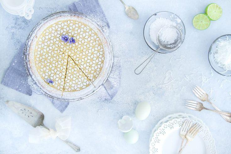 On l'appelle « tarte impossible » puisque 3 étages sont censés se former comme par magie après sa cuisson↣ Préparation 5 minutes | Cuisson 35 à 45 minutes | Donne 8 à 10 portions On l'appelle «tarteimpossible» puisque 3 étages sont censés se former comme par magie après sacuisson↣