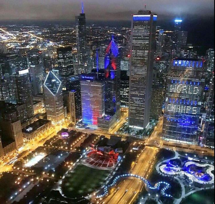 Chicago Skyline after Cubs win 2016 World Series