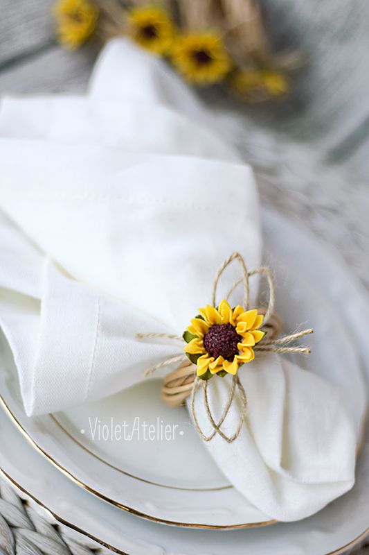Napkin ring, sunflower napkin ring, rustic napkin ring, set the wedding table, table decoration, sunflower place setting