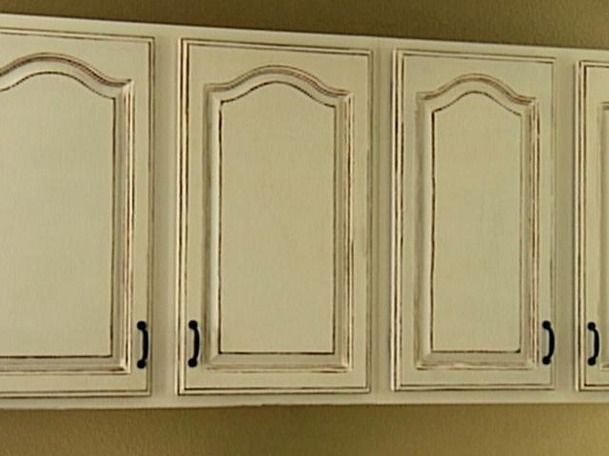 Delicieux How To Paint Kitchen Cabinets Antique White