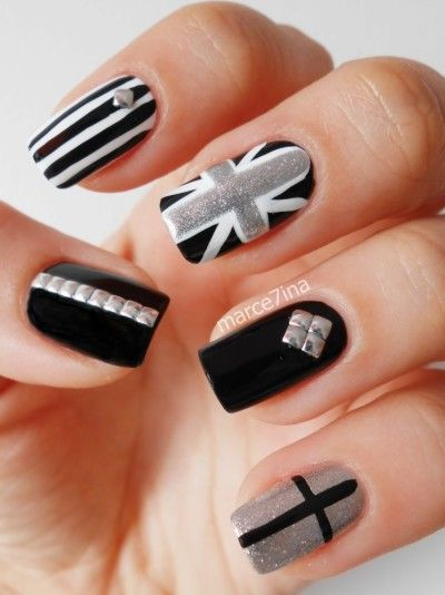 British Flag Nails, very cute, love these nails. Wish i could something like this.