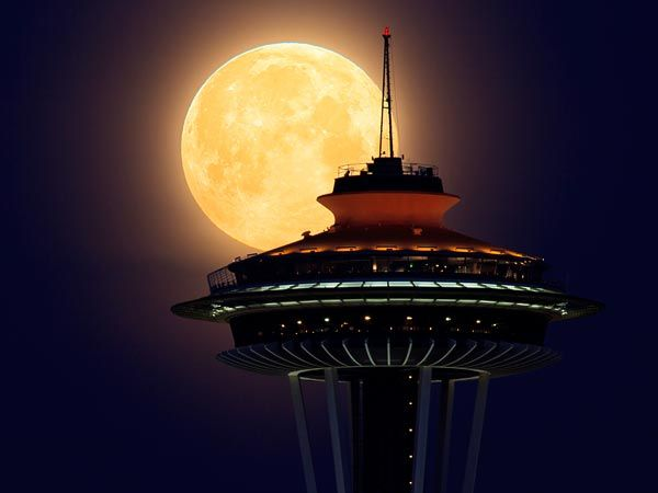 Supermoon in Seattle: Spaces, Space Needle, Favorite Places, Seattle, Moon, Super Moon, Full Moon, Supermoon, Photo