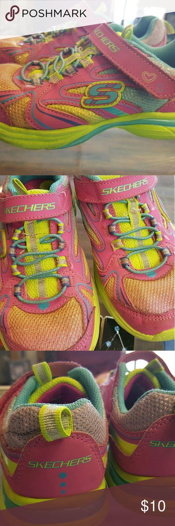Sketchers sneakers Sketchers sneakers lightly used Skechers Shoes Sneakers